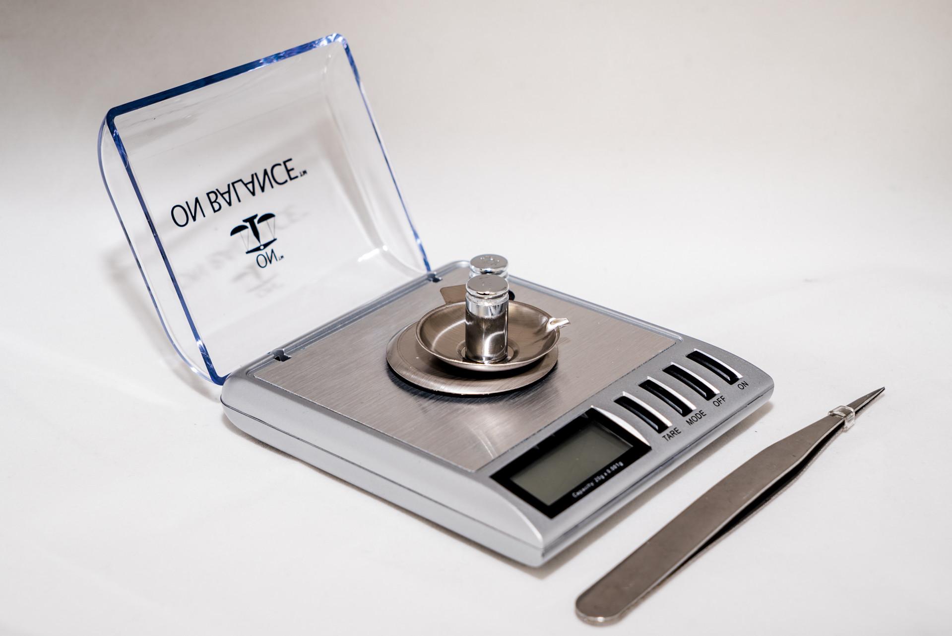 On Balance Carat Jewel Scale (Balanza de Joyas)(20g x 0.001g)
